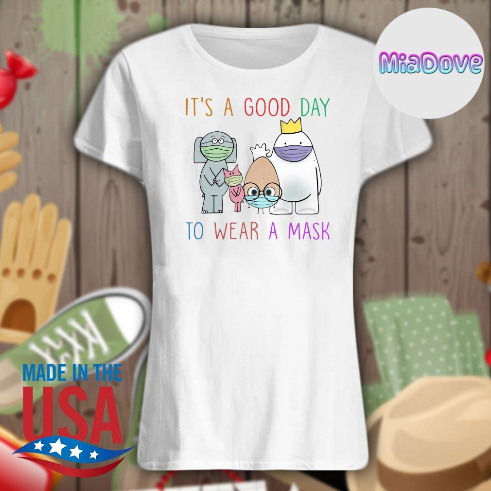 Teacher it's a good day to wear a mask s V-neck