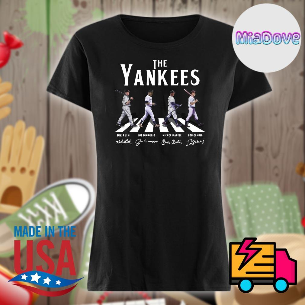 The New York Yankees abbey road signatures s V-neck