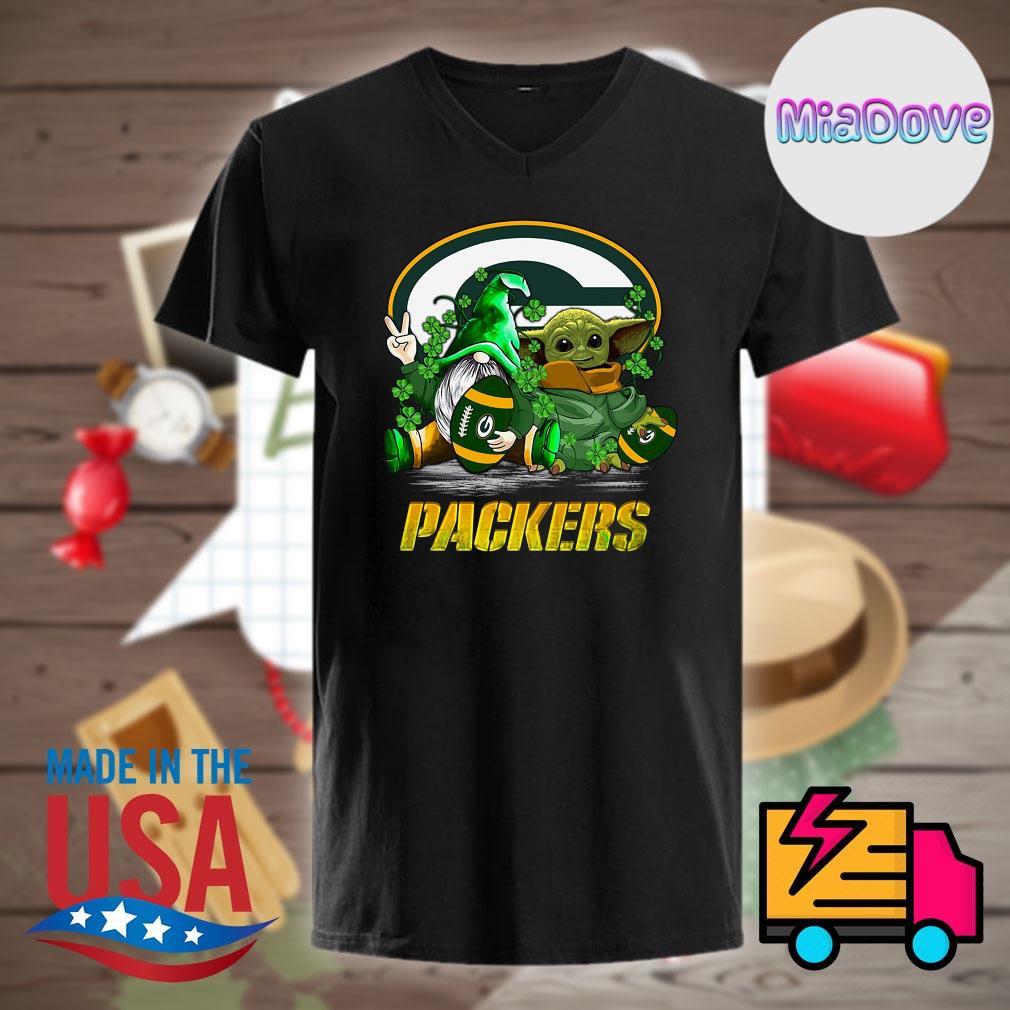 Baby Yoda and Gnome hug Green Bay Packers shirt